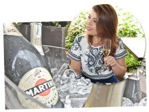 Amigo Secreto Glamurama teve borbulhas de Martini para o brinde