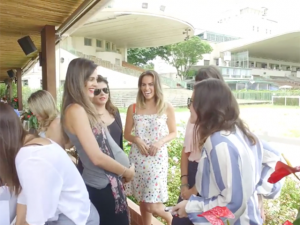 Chegou a hora de conferir o vídeo do Amigo Secreto do Glamurama no Iulia