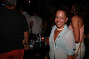 Elba Ramalho tirou todo mundo do chão no Cafe de La Musique de Trancoso