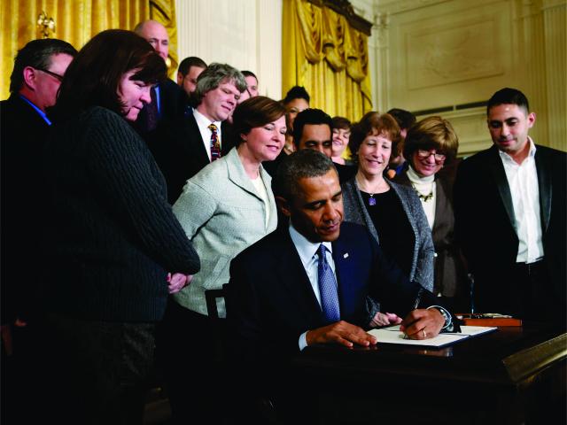 O presidente com membros de seu gabinete || Créditos: Getty Images