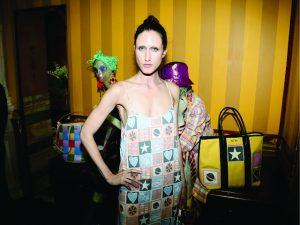 Produtora americana processa top Anna Cleveland por quebra de contrato