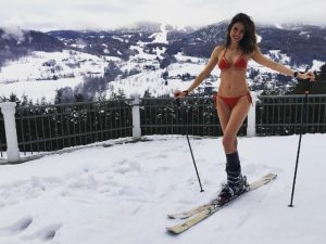 Deu a louca em Luciana Gimenez? Que nada, só umas fotos fervendo em Aspen