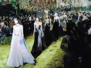 Dior transforma desejo da mulher contemporânea em conto de fadas