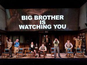"""Clássico que inspirou """"BBB"""" ganhará adaptação nos palcos da Broadway"""