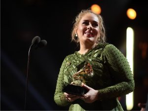 Grande estrela do Grammy, Adele foi a artista mais bem paga da premiação