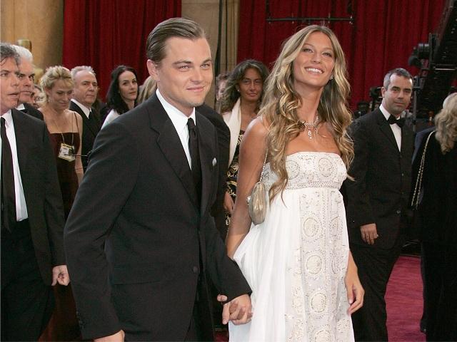 Leonardo Dicaprio e Gisele Bündchen no Oscar de 2005 || Créditos: Reprodução