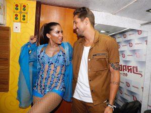 Anitta deixa visual rastafari de lado e vive Eva por uma noite em Salvador