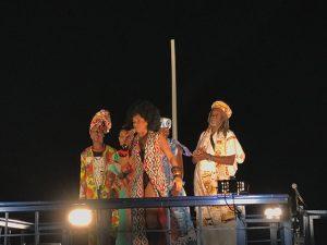 A cena mais fofa em Salvador até agora foi protagonizada por Taís Araújo e filhos