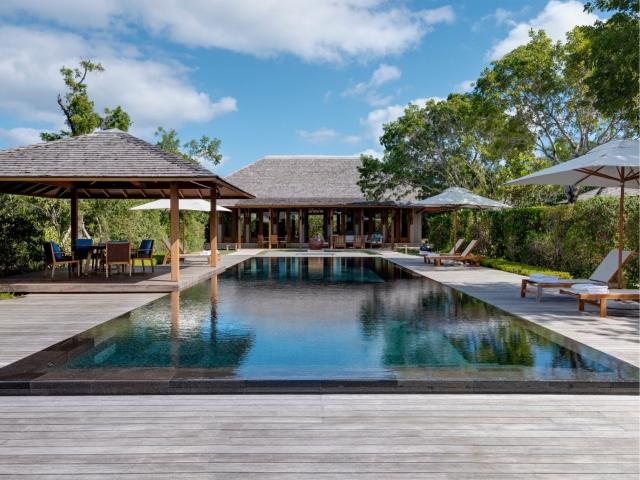 A piscina do resort: para poucos || Créditos: Divulgação
