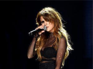 Selena Gomez lança single repleto de indiretas a ex. Quem será?