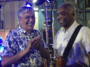 Caetano e Gil celebram os 50 anos do Tropicália com show no Pelourinho