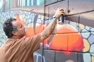 Certa escola de samba de São Paulo terá grafiteiros em carro alegórico