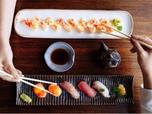 Com projeto de Arthur Casas, Kosushi reabre lindão e com novidades no menu