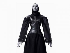 1ª candidata ao título de miss a usar véu islâmico é promessa da moda