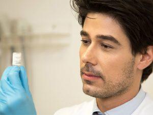 Dermatologista Bruno Vargas comemora empreitada em BH