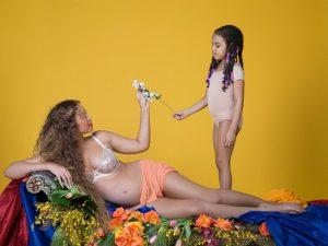 Internet vai à loucura com ensaio completo de fotos de Beyoncé grávida