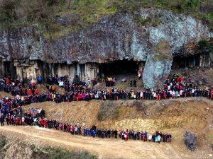 Só podia ser na China… 500 pessoas da mesma família em retrato do tipo uau!