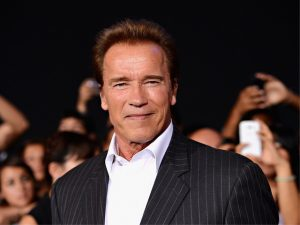 """Schwarzenegger """"extermina"""" cachê que receberia para falar a estudantes"""