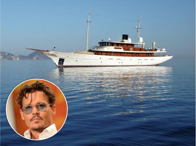 Johnny Depp e seu iate