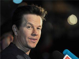 Mark Wahlberg assina contrato milionário com operadora de telefonia