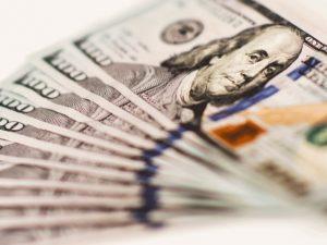 Lituano é preso ao aplicar golpe milionário em gigantes da tecnologia dos EUA