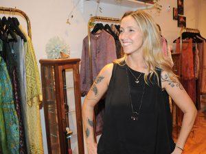 Nina Sander comemora aniversário com festão no Bar Numero