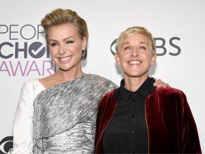 A marvada pinga: Ellen DeGeneres cai em casa e faz piada em rede nacional
