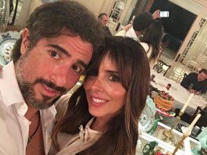 Suzana Gullo e Marcos Mion renovam votos com celebração surpresa