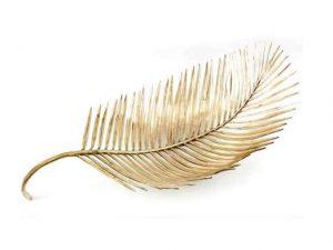 Lá em Casa: chiqueria à mesa com o bowl de folha de palmeira do Studio Esther Giobbi