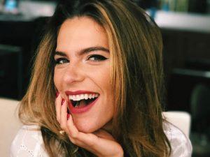 Nos 26 anos de Mariana Goldfarb, confira seus truques de beleza