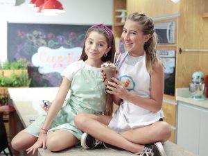"""Ivana e Sofia, do """"Cenoritas"""", recebem chef estrelado de NY para aula especial"""
