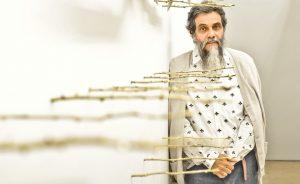 Nelson Félix abre exposição na Galeria Millan com desenhos e esculturas