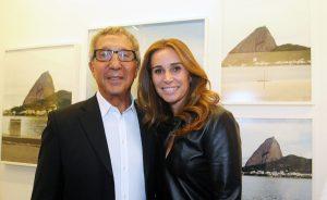 Marisa Monte surge de surpresa em festa de Abilio Diniz em Portugal