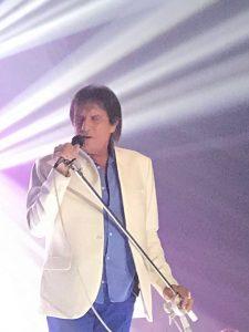 Roberto Carlos canta em encontro de milionettes de Abilio Diniz em Portugal
