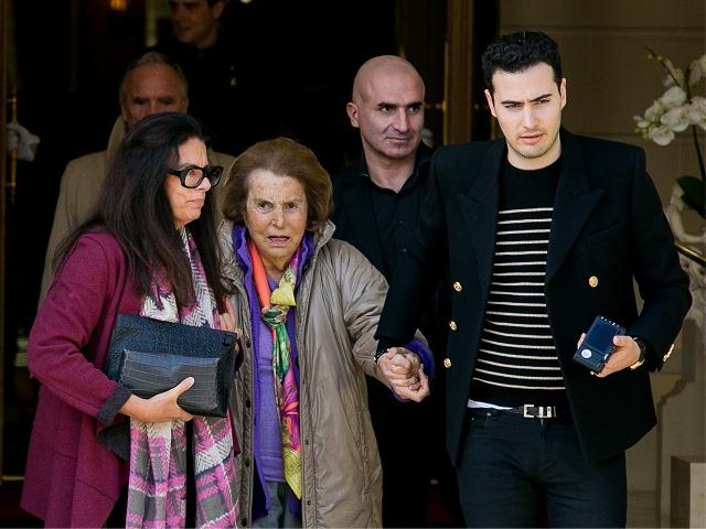 Liliane com a filha, Françoise, e o neto Jean-Victor