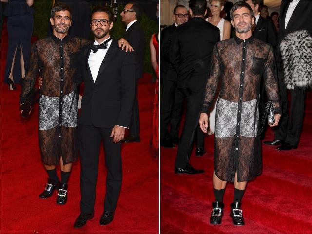 Marc Jacobs e Lorenzo Martone, e o vestido polêmico || Créditos: Getty Images