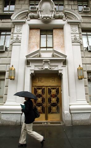 A fachada do The San Remo, em Nova York