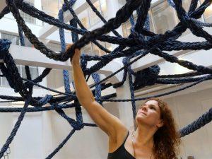 Artista brasileira vai abrir exposição solo na Fondazione Prada. Quem é ela?