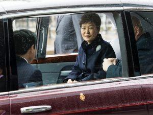 Ninguém quer defender a ex-presidente coreana acusada de corrupção