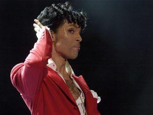 """Justiça dos EUA proíbe lançamento do álbum """"post mortem"""" de Prince"""