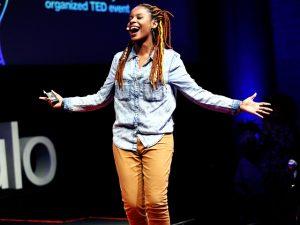 Baiana Monique Evelle é nome forte na luta pela igualdade de raça e gênero