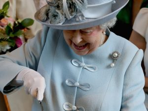 Ex-chef da família real revela qual é o lanchinho preferido de Elizabeth II