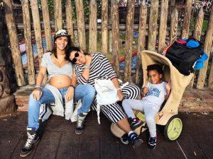 Regina Casé e família curtiram a Páscoa ao lado do Mickey. Oi? Vem saber…