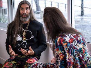 """Dudu Bertholini recebe Felipe Veloso no 2º episódio de """"Nós, os fashionistas"""""""