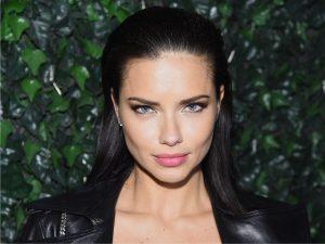 Das passarelas para a telinha: Adriana Lima vai apresentar reality de moda e beleza