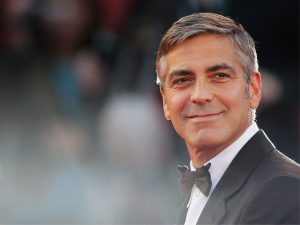 George Clooney chega aos 56 anos prestes a ser pai e visando pausa na carreira