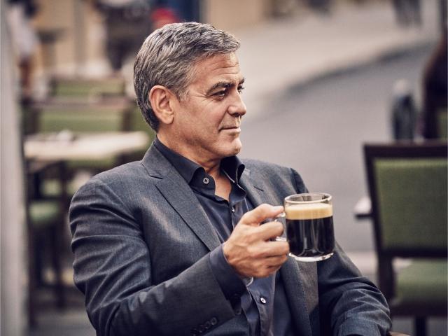 O ator estrela há anos os comerciais da Nespresso || Créditos: Divulgação