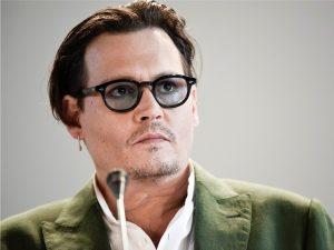 As encrencas de Johnny Depp são motivo de preocupação até na Disney