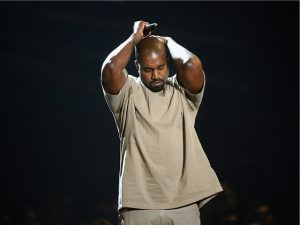 Na miúda! Kanye West está tentando se achar em retiro espiritual
