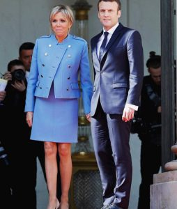 Um raio-x do new look usado por Brigitte Macron na posse do presidente!